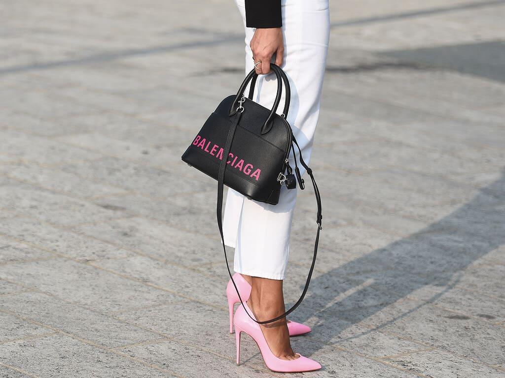 Como combinar sandália com calças: confira dicas úteis para utilizar no dia a dia